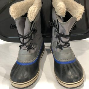 Sorel Youth Boy Waterproof Snow Boots Size 4 Gray